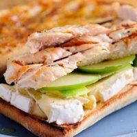 ساندویچ مرغ خانگی